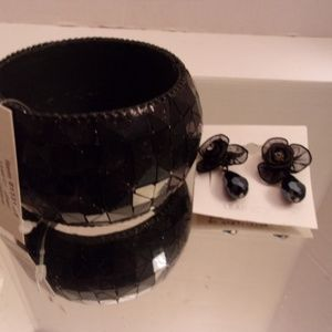 Nwts Black Bracelet & Earrings. L9-5